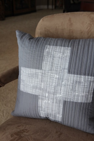 Plus Pillow Grey