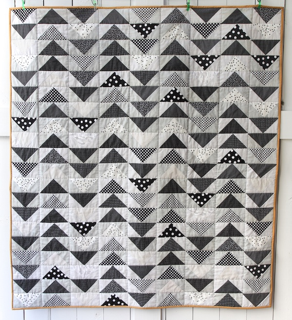 dotted-flying-geese-quilt